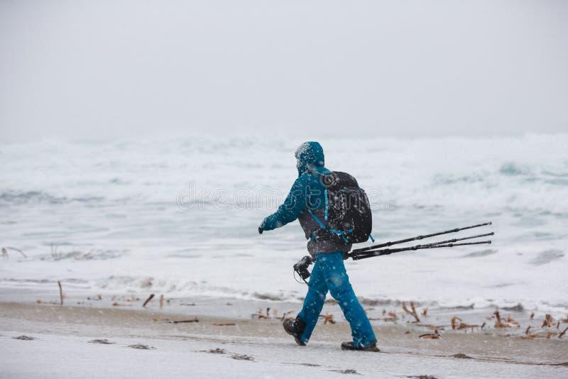 Fotógrafo que viaja en el norte imagenes de archivo