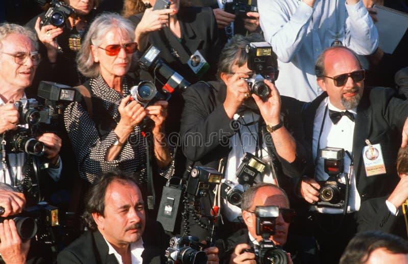 Fotógrafos de los paparazzis en los premios de la Academia imágenes de archivo libres de regalías