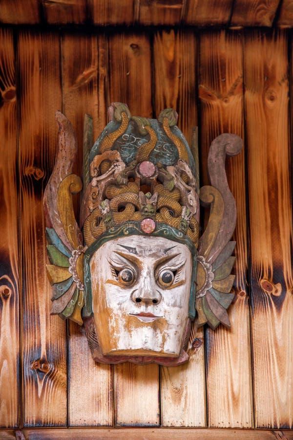 Fot för Guizhou Anshun Tiantai bergWulong tempel av små maskeringar för en lantgårdhusNuo opera arkivbild