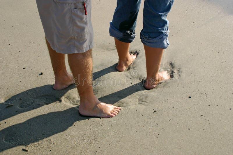 Download Fot sand arkivfoto. Bild av romantiker, roman, vått, sand - 31126