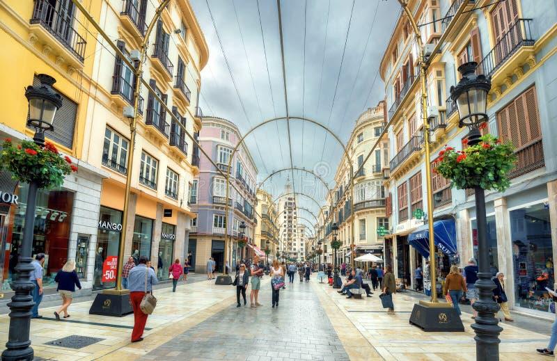 Fot- shoppa gata Marques de Larios i Malaga Andalusia Spanien royaltyfria bilder