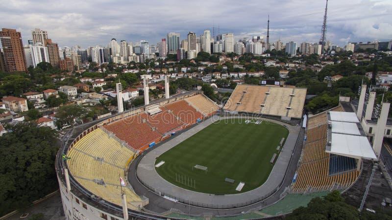 Fotboll runt om världen, Pacaembu stadionSao Paulo Brazil royaltyfri bild