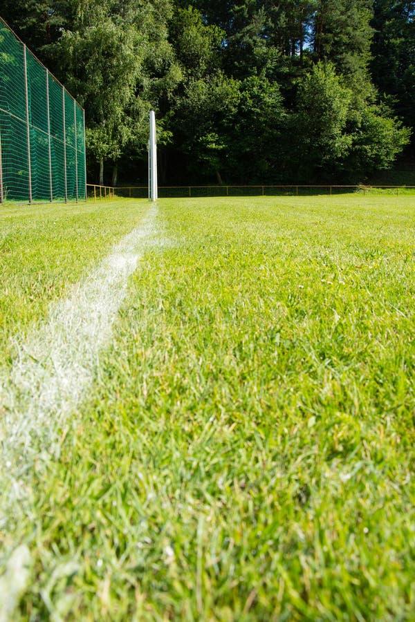 Fotbollmål med lekplatsen royaltyfri bild