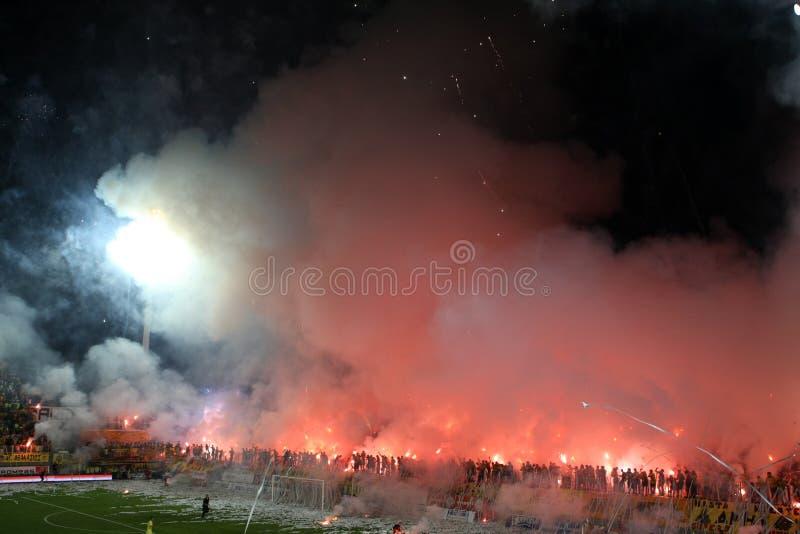 Fotbollmatch mellan Aris och Boca junior fotografering för bildbyråer