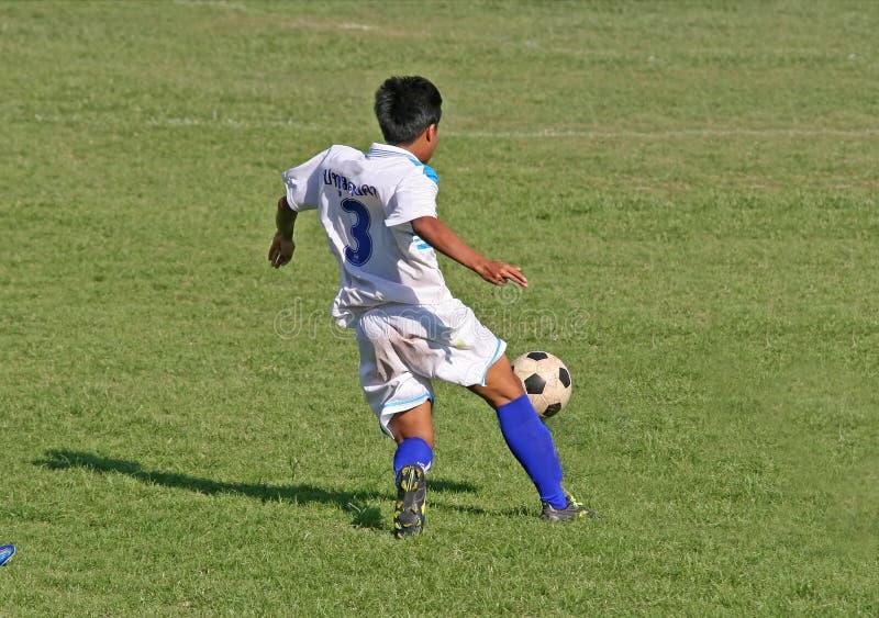 fotbollpasserande royaltyfri bild