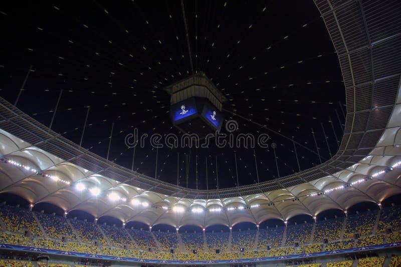 Fotbollsarena under natt för liga för Uefa-mästare arkivfoton