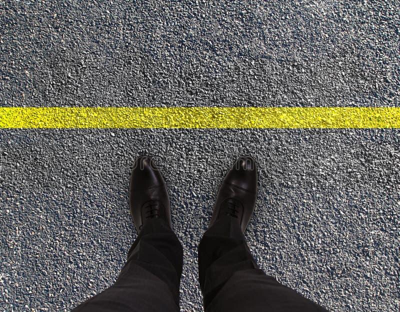Foten är på vägen royaltyfri foto