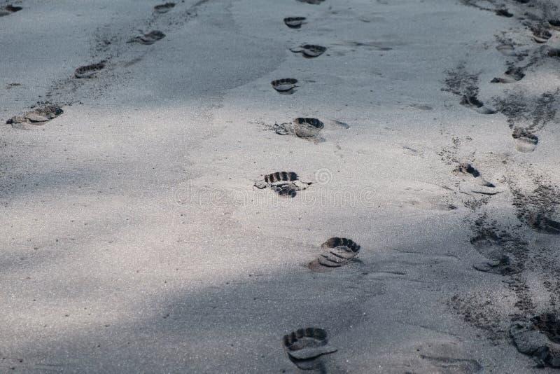 Fotmoment i sand fotografering för bildbyråer