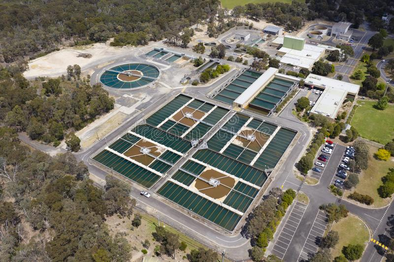 Foto aérea de la depuradora  imagen de archivo