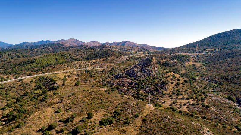 Foto aérea del castillo de Quermanco en Vilajuiga fotografía de archivo
