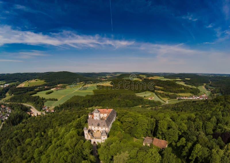 Foto aérea del castillo Greifenstein en el suisse franco foto de archivo libre de regalías
