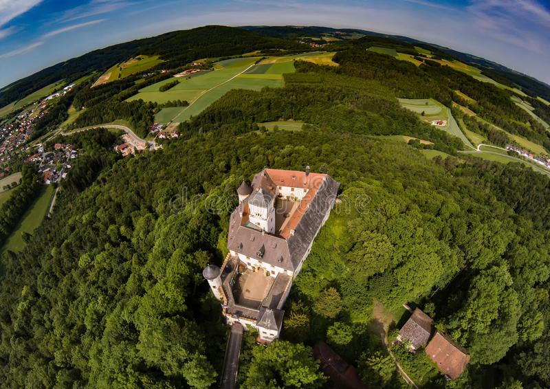 Foto aérea del castillo Greifenstein en el suisse franco imagen de archivo libre de regalías