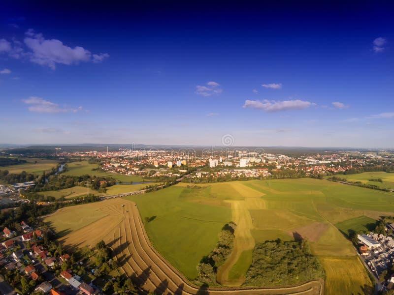 Foto aérea del paisaje cerca del canal de principal-Danubio cerca de Erlangen en Baviera fotos de archivo