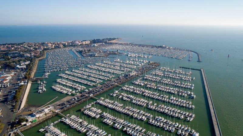 Foto aérea dos barcos no porto de Minimes foto de stock royalty free