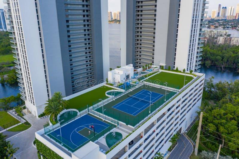 Foto aerea del drone The Harbor Condominium North Miami Beach FL fotografie stock libere da diritti