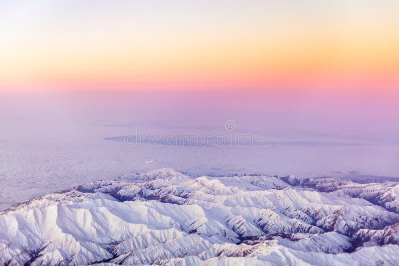 Download Foto Aerea Del Supporto Bella Vista Immagine Stock - Immagine di dusk, notte: 56882081