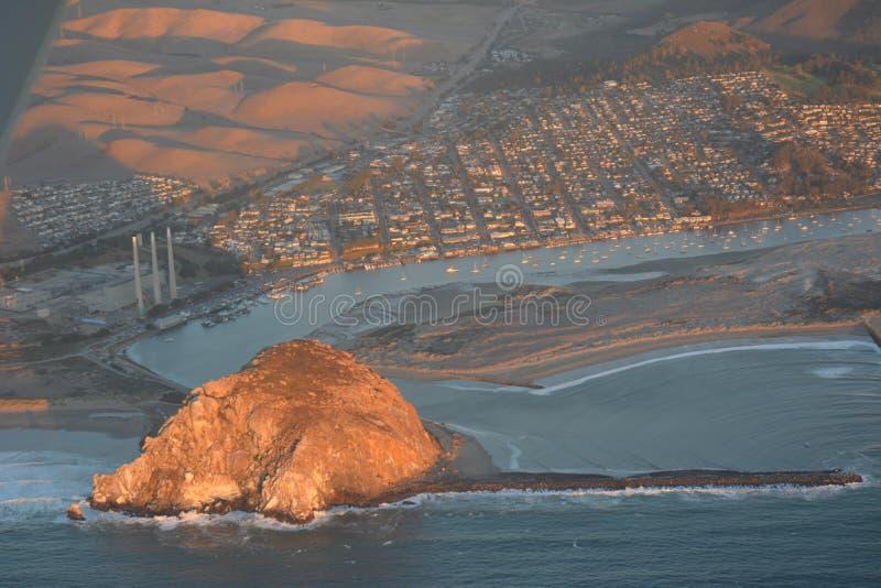Foto aerea della baia di Morro al tramonto fotografie stock libere da diritti