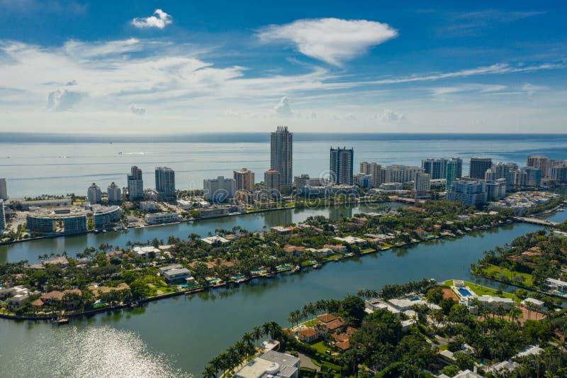 Foto aerea della scena di Miami Beach Allison Island e Indian Creek immagine stock
