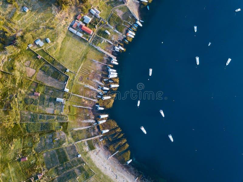 Foto aerea delle barche al Titicaca fotografia stock