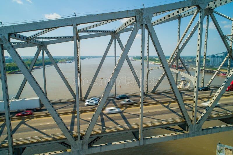 Foto aerea di Horace Wilkinson Bridge sopra il Mississippi immagine stock libera da diritti