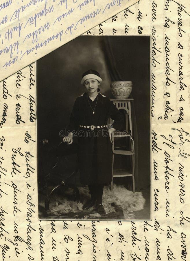 Foto antiga do original 1915 - rapariga imagens de stock