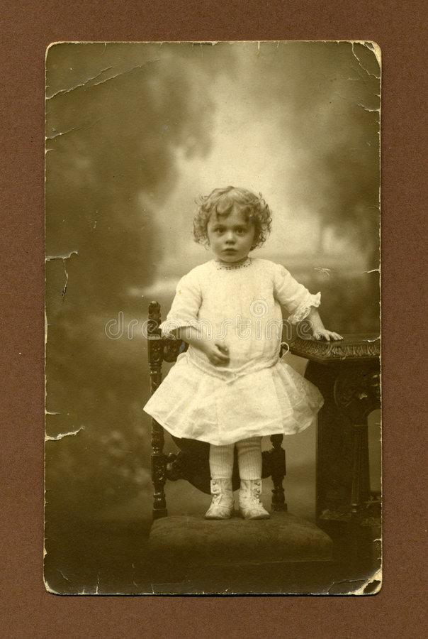 Foto antigua original - chica joven imagenes de archivo