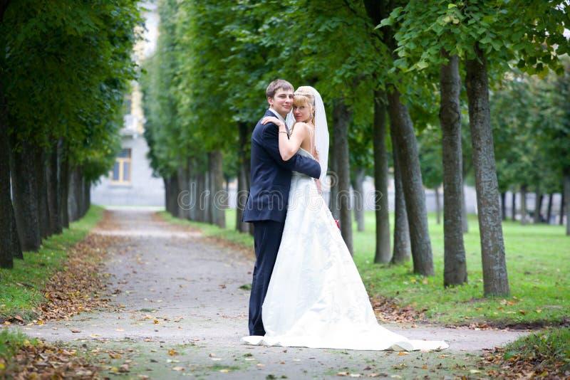 Foto apenas de un par casado hermoso foto de archivo libre de regalías