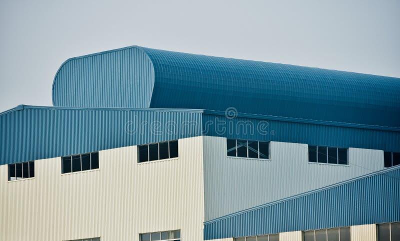Foto arquitetónica moderna do estoque da construção da fábrica fotos de stock