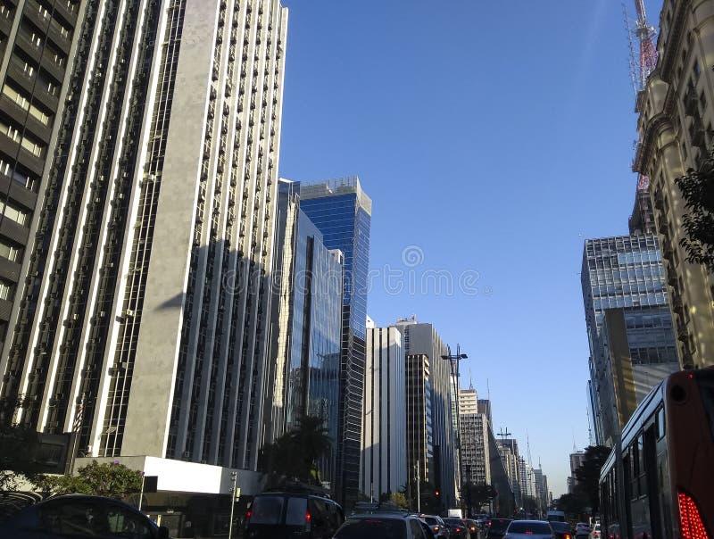 Foto av avenyn Paulista, affärsaveny av staden av Sao Paulo, Brasilien arkivbild