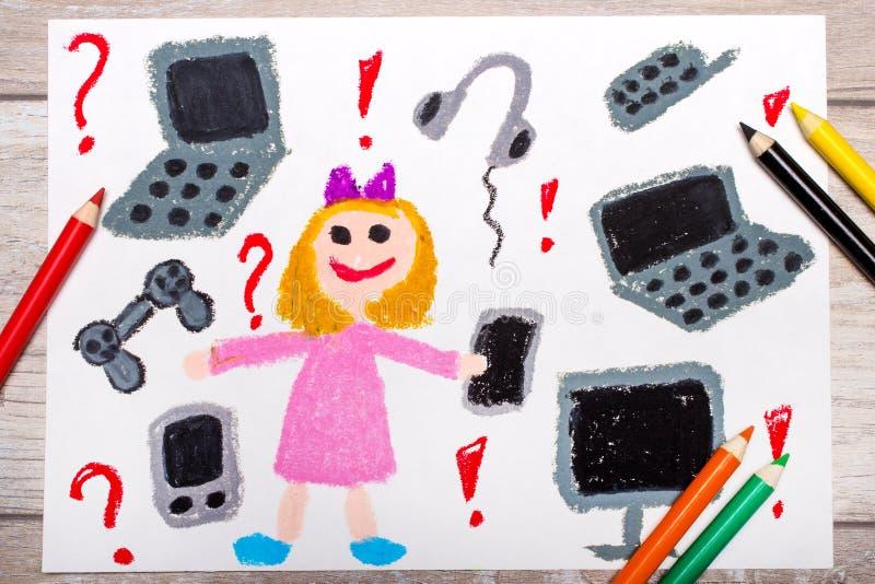 Foto av den färgrika teckningen: le lilla flickan som omges av elektroniska apparater, royaltyfria foton