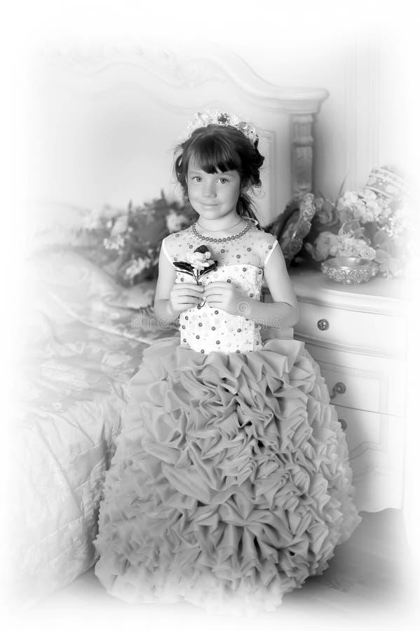 Foto in bianco e nero di giovane principessa fotografie stock libere da diritti