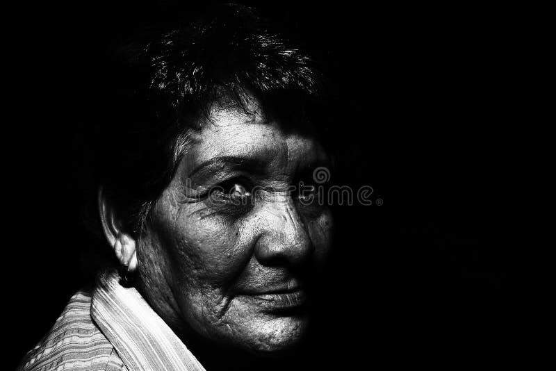 Foto in bianco e nero di un Person' fronte di s immagini stock libere da diritti