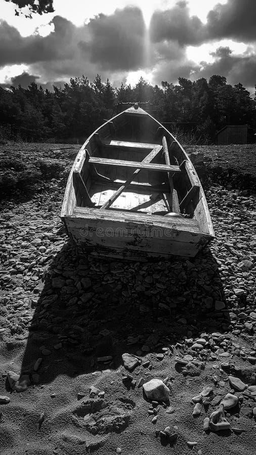 Foto blanco y negro de un barco viejo foto de archivo libre de regalías