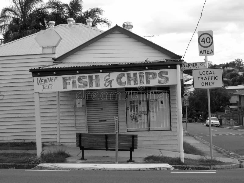 Foto blanco y negro en pescados y Chips Store Signage imagenes de archivo