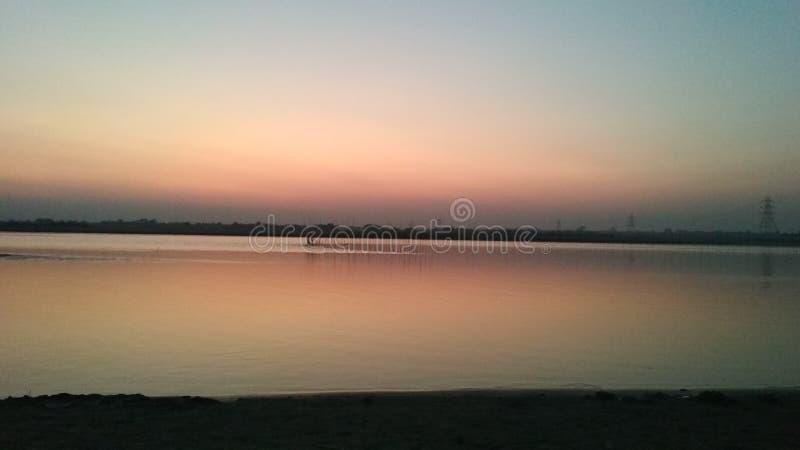 Foto bonita do rio do vaki em 5pm foto de stock