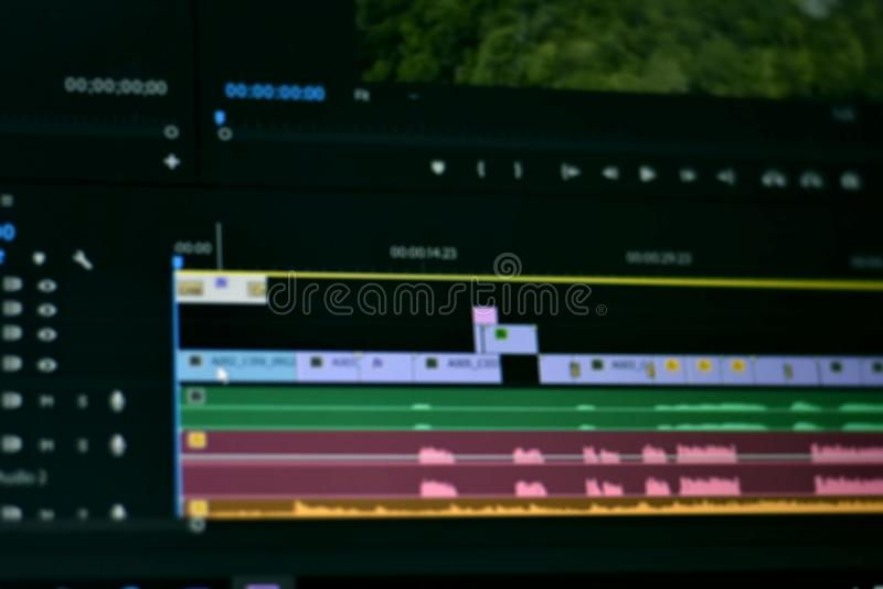 Foto borrada do vídeo do espaço temporal e dos sons da ferramenta de edição video fotografia de stock