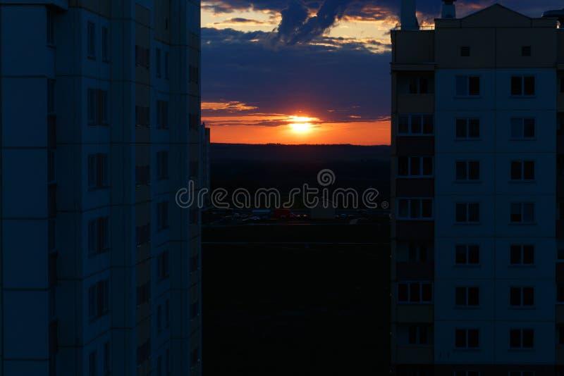 Foto borrosa de la puesta del sol fotos de archivo