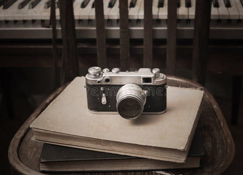 Foto-cámara, libros foto de archivo libre de regalías