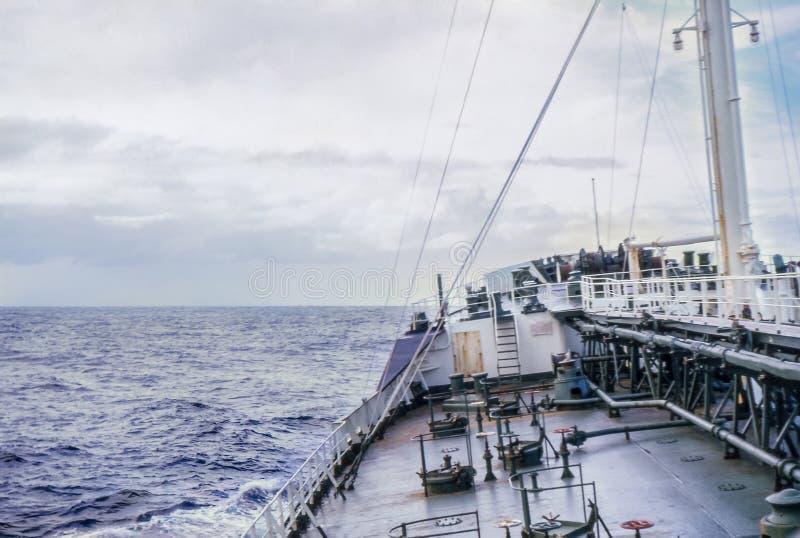 Foto cerca dos anos 60, lista do vintage do navio a mover fotografia de stock royalty free