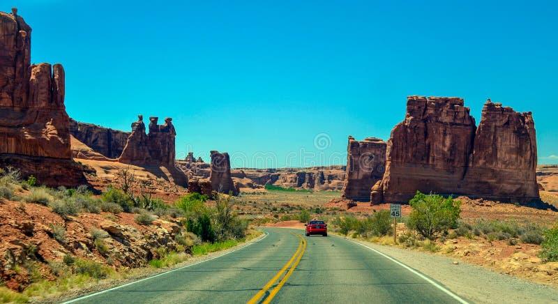Foto común de la formación de roca roja, parque nacional de los arcos imagen de archivo
