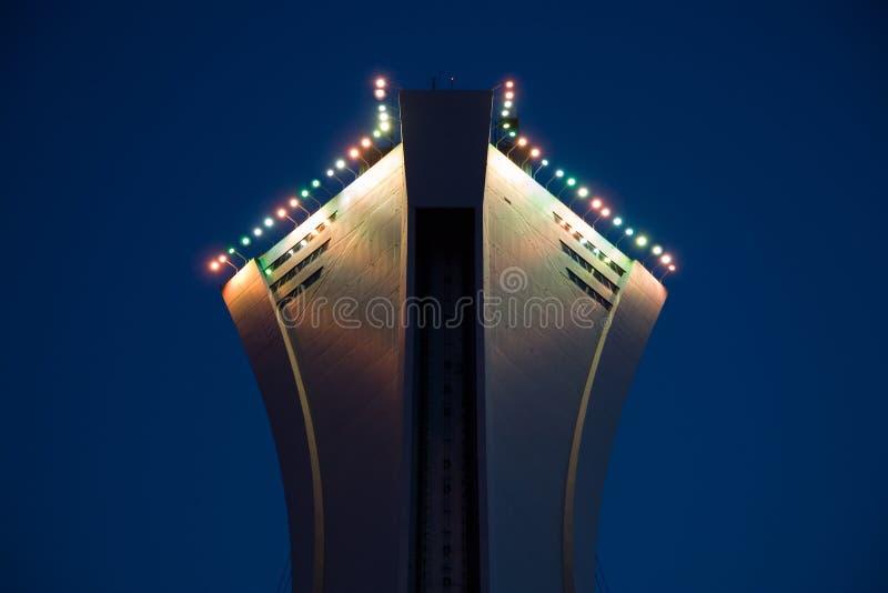 Foto conservada em estoque da parte superior do estádio olímpico de Montreal fotos de stock royalty free