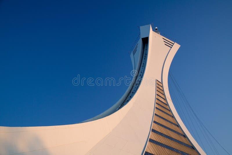 Foto conservada em estoque da torre olímpica do estádio de Montreal fotografia de stock royalty free