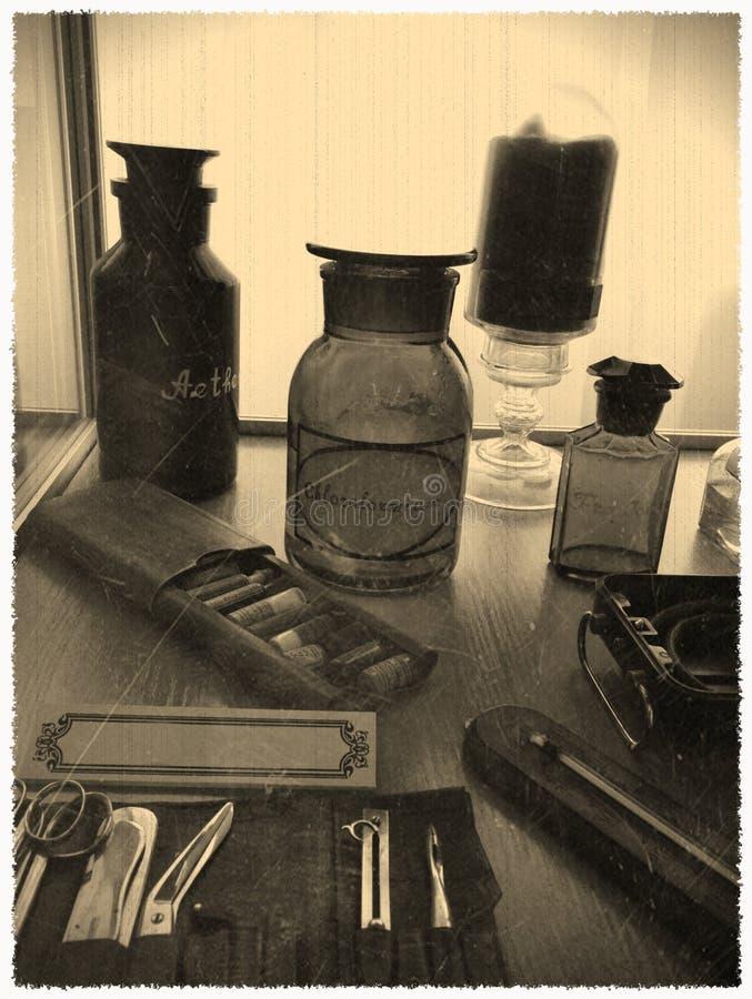 Foto d'annata della bottiglia di cloroformio immagine stock