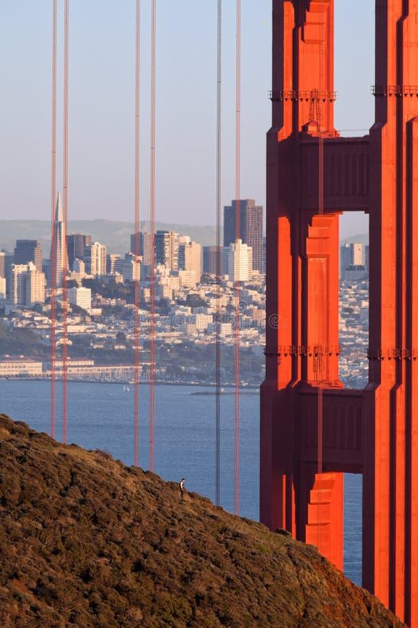 Foto da construção de golden gate bridge e de Transamerica imagens de stock