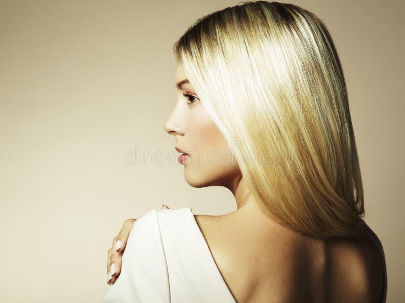 Foto da mulher bonita com cabelo magnífico imagem de stock royalty free