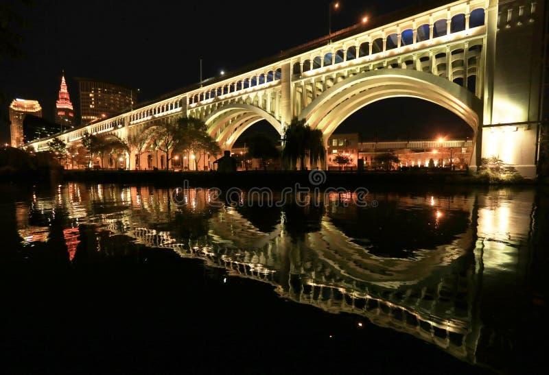 Foto da noite da ponte do superior de Detroit foto de stock