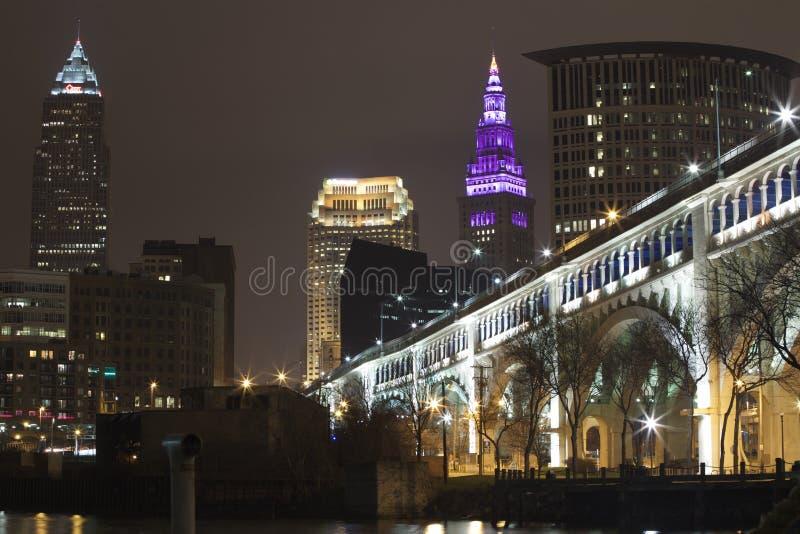 Foto da noite da ponte do superior de Detroit imagem de stock
