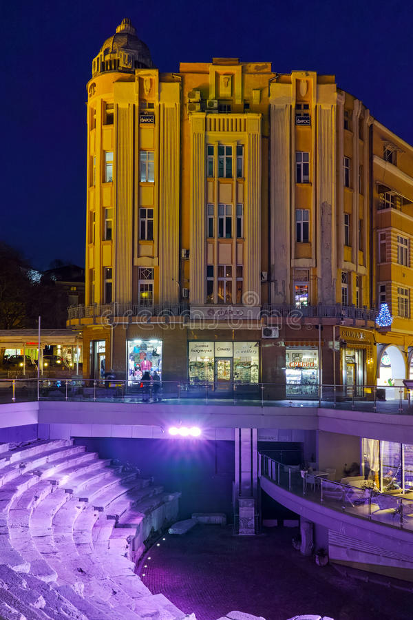 Download Foto Da Rua Central Da Cidade De Plovdiv, Bulgária Fotografia Editorial - Imagem de noite, bulgária: 65578732