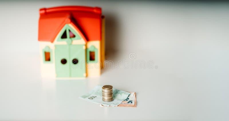 Foto de compra-venta de la acción de dinero de la inversión inmobiliaria del precio del préstamo de hipoteca de la casa imagen de archivo libre de regalías