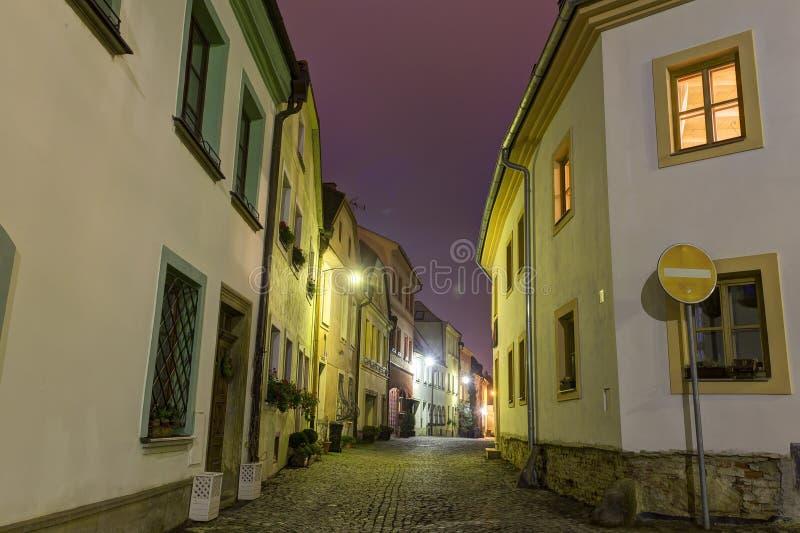 Download Foto De HDR De La Calle Y De Las Casas Históricas De La Ciudad Vieja De Olomouc En La Noche, República Checa Foto de archivo - Imagen de calle, casero: 64202380